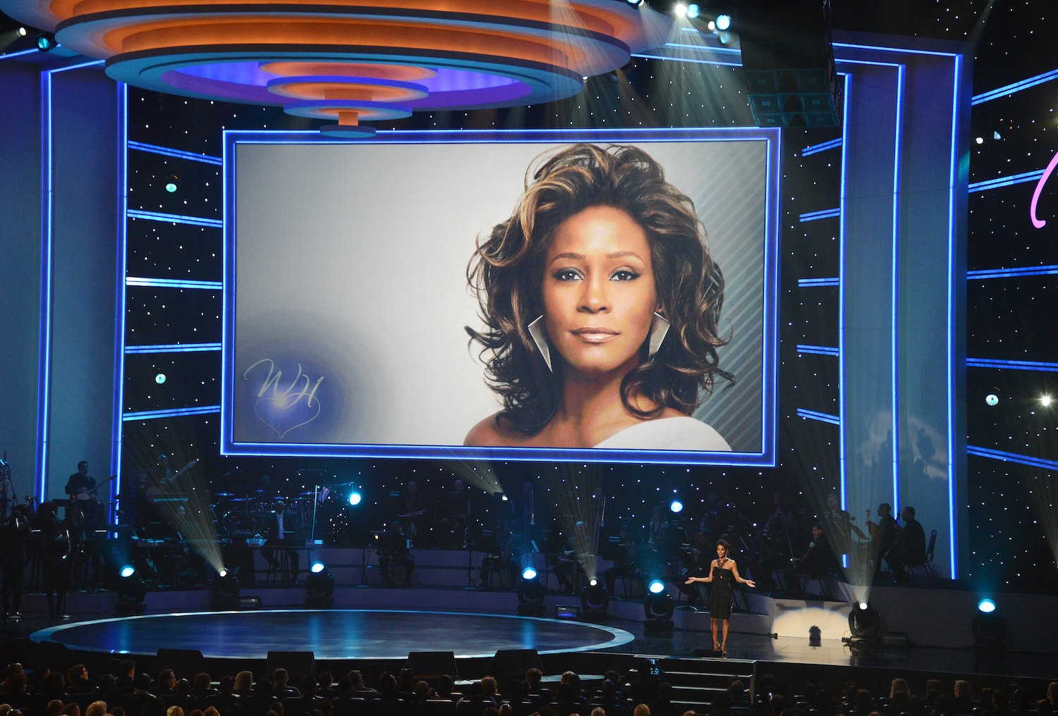 Documental proyectado en Cannes revela que Whitney Houston fue agredida sexualmente de niña