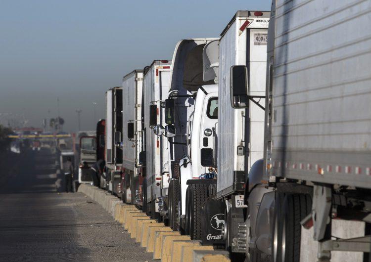 ¿Por qué el sector automotriz es ahora el centro de disputa del TLCAN?