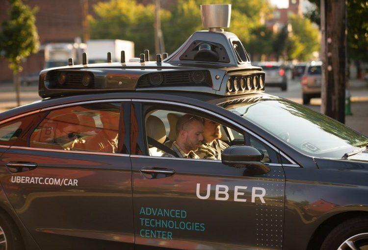 vehiculo-autónomo-uber-ciclista
