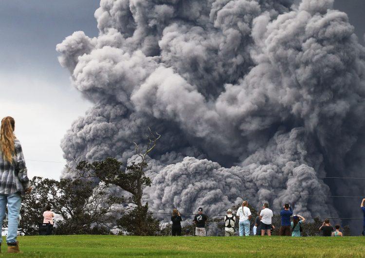 Alerta roja en Hawái por una enorme nube de cenizas del volcán Kilauea