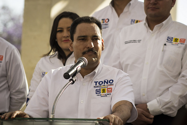 Verdad a medias, propuesta de Credencial de Identidad Única presentada por Toño Martín del Campo