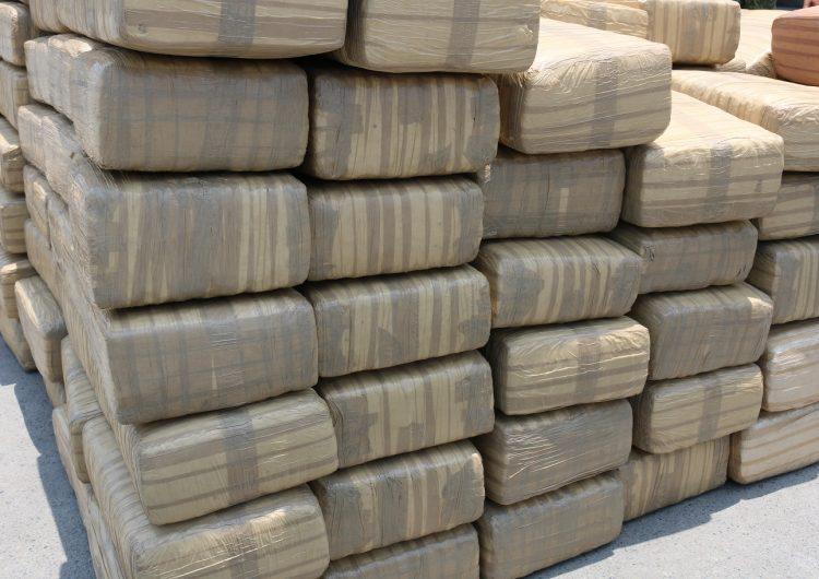 Decomisan más de tres toneladas de marihuana y detienen a uno en Cadereyta