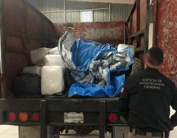 Decomisan casi una tonelada de marihuana en camioneta y caja de tráiler abandonadas en predio de Apodaca