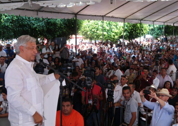 """AMLO urge a gobernadores a respetar votos el 1 de julio; """"canallín"""" dice que mis ideas son viejas, pero las copia"""