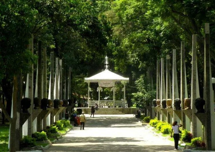 """Sexoservidoras acusan a Alfaro por """"limpia"""" de parque y piden intervención de la CEDHJ"""