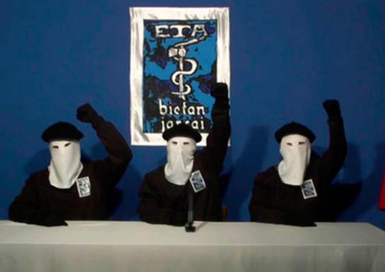 """ETA anuncia que disuelve """"todas sus estructuras"""" y cierra """"su ciclo histórico"""""""