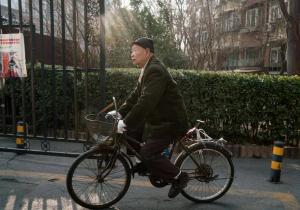 """Busco a alguien que me adopte"": la historia de un anciano con miedo a morir solo"