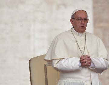 El papa pide perdón a los chilenos por no saber escuchar a víctimas de abuso sexual