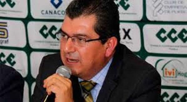 """""""Acartonado"""" encuentro de candidatos a gubernatura con CCE"""