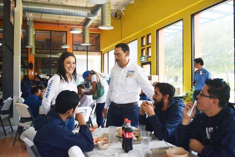 Propone Martha Márquez mayor educación para jóvenes