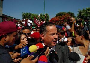 Aparece Santiago Nieto en mitin de AMLO en Jalisco; ex titular de FEPADE investigaba caso Odebrecht