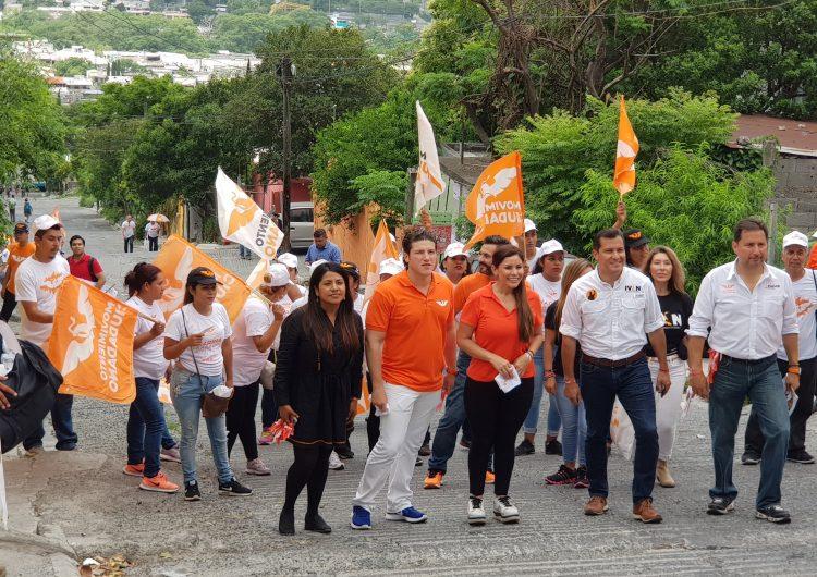 """Emecistas llevan al INE presuntas pruebas contra """"El Bronco"""""""