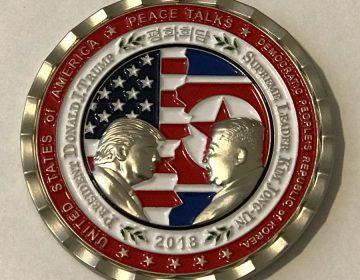 """Monedas conmemorativas de la cumbre cancelada, una """"oferta"""" de la Casa Blanca"""