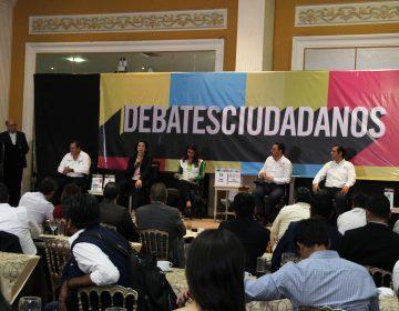 Tunden a candidatos en debarte organizado por Coparmex