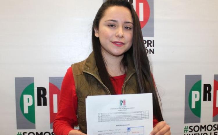 """Deisy Salinas, la joven """"sin experiencia"""" y """"niña valiente"""" que busca la alcaldía de Rayones, NL"""