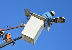 Panistas piden a la ASE revisar licitación de luminarias en Apodaca