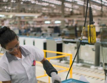 NL pierde mil 83 empleos en abril; 36 mil 913 menos en un año: IMSS