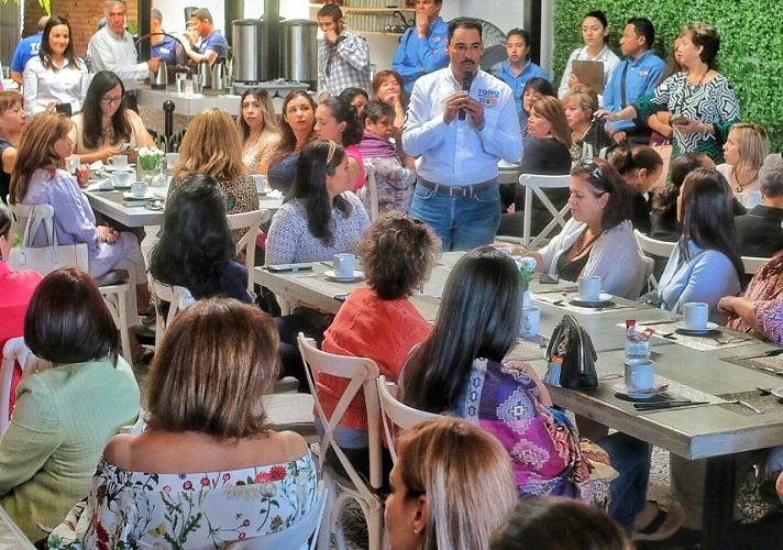 Promueve Toño Martín del Campo apoyos para mujeres empresarias