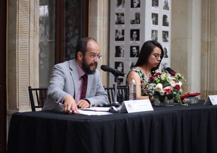 Utilizar poesía como critica social: Higashi