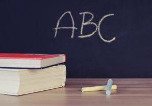 Prohibido retener documentación en escuelas por adeudo de cuotas