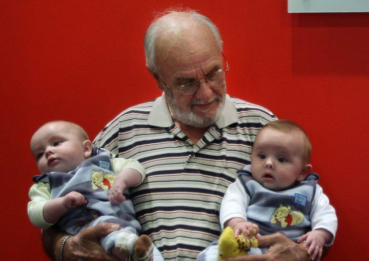 Donador de sangre que ha salvado a 2.4 millones de bebés, donará sangre por última vez