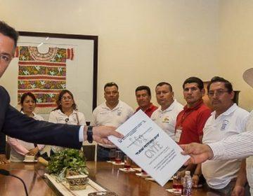Impulsa CNTE voto de castigo; magisterio cierra plazas comerciales en Oaxaca