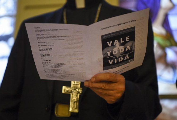 """Cristianos, judíos y musulmanes hacen """"oración interreligiosa"""" contra el aborto en Argentina"""