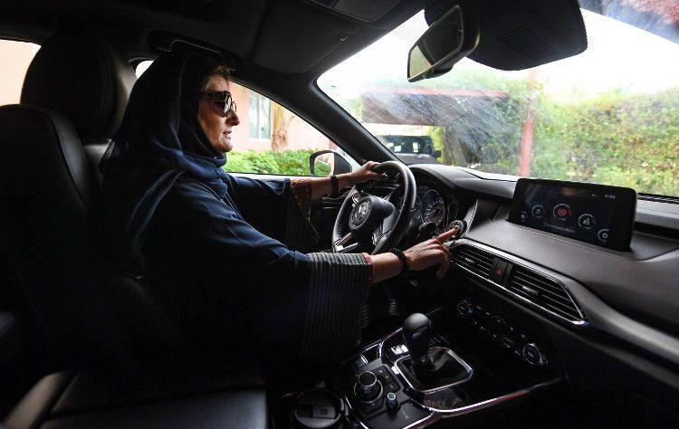 mujeres-prohibicion-conducir-arabia