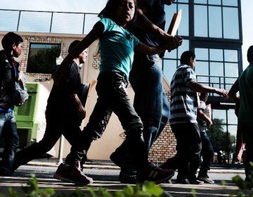 EE. UU. dice que 522 niños se reunieron con sus padres; Trump pide deportaciones sin juicio
