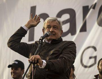 #EstoSíPasó Andrés Manuel López Obrador dijo que los maestros deberían ser respetados como en las películas de Cantinflas