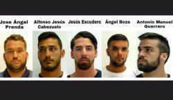 España deja en libertad condicional a los 5 integrantes de…