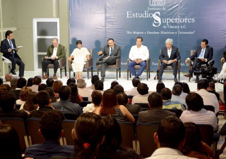 Debaten candidatos a la presidencia de Oaxaca de Juárez
