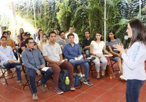 Promete Martha Márquez legislar a favor de los jóvenes