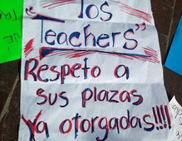 """Marchan """"teachers"""" para exigir pago de salarios caídos"""