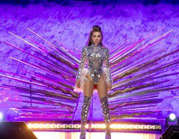 A ritmo latino Thalía empodera a la mujer en su nueva producción