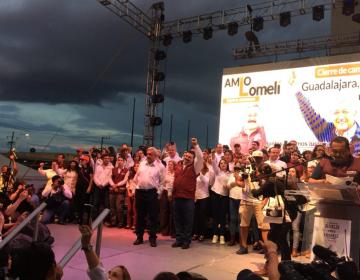 AMLO acompaña a Lomelí en cierre de campaña ante miles en Jalisco