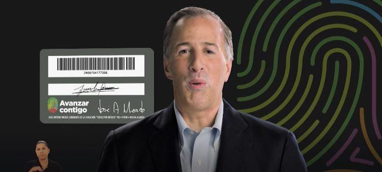 Candidatos entregan tarjetas y prometen beneficios, ¿es legal? ¿piden votos a cambio de dinero?