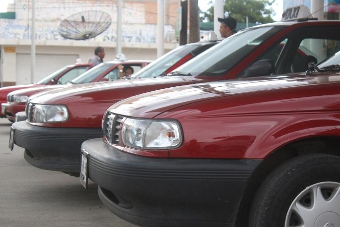 Darán viajes en taxi gratuitos a adultos mayores y con discapacidad en Pabellón