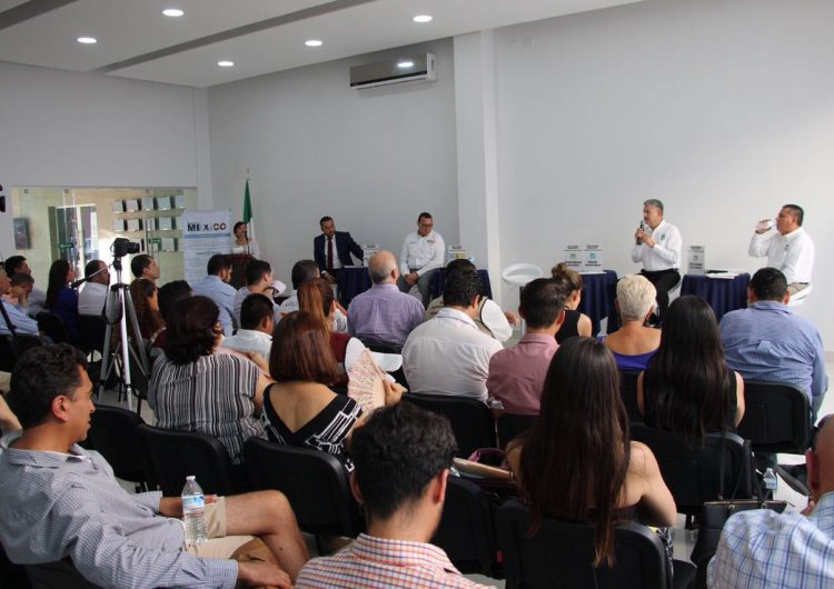 Se enfrentan PAN y PRI en debate de Coparmex