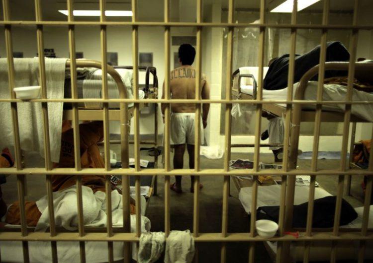 Las autoridades migratorias de EE.UU envían a 1,600 inmigrantes indocumentados a cárceles federales