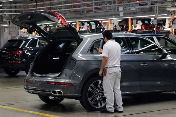 Despidos en Audi para dar paso a recomendados del sindicato