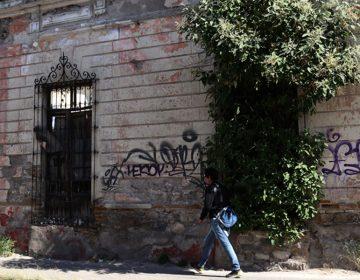 Centro histórico poblano ruinoso, no apto para vivir; hay 300 inmuebles abandonados