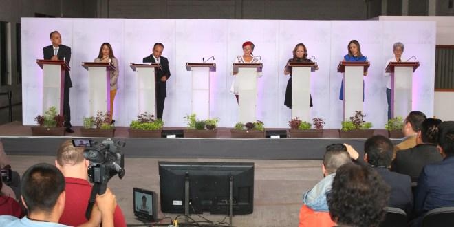 Evaden preguntas en debate de Pachuca XII