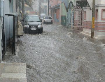 Caos vial en la capital potosina por lluvias
