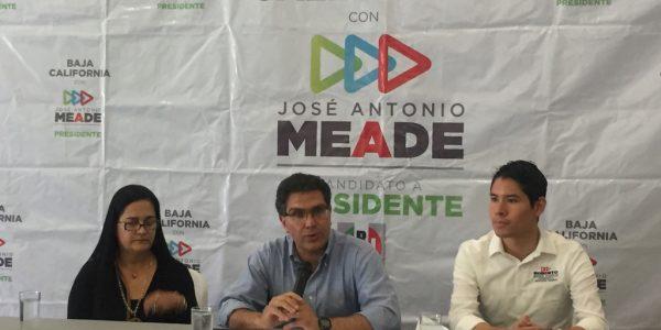 Meade, el único que puede competir a AMLO: Ríos Piter
