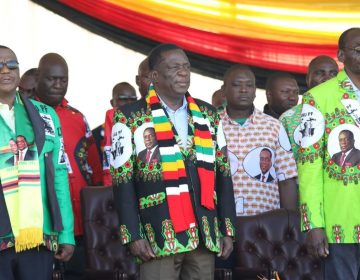 Ataque en un acto del presidente Mnangagwa deja un muerto y más de 150 heridos