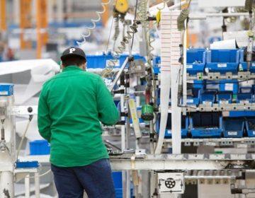 Baja productividad laboral en manufactura y comercio
