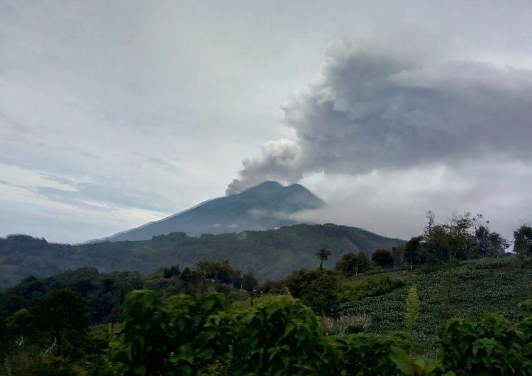 Explosión del Volcán de Fuego, en Guatemala, deja 6 muertos y más de 2,000 evacuados