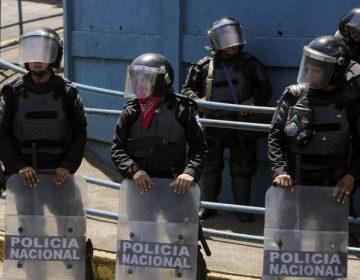 Policía desaloja a manifestantes y recupera el control de una ciudad en Nicaragua