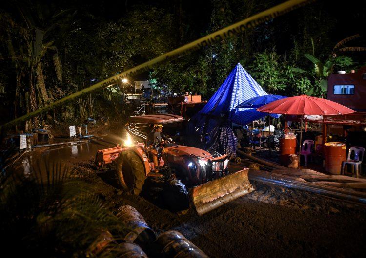 Los planes para rescatar a los 12 niños y su entrenador atrapados en una cueva en Tailandia